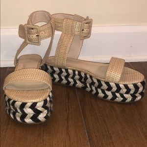 House of Harlow 1960 black and white platforms